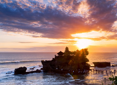 tanah_lot_sunset-car-rental-in-bali